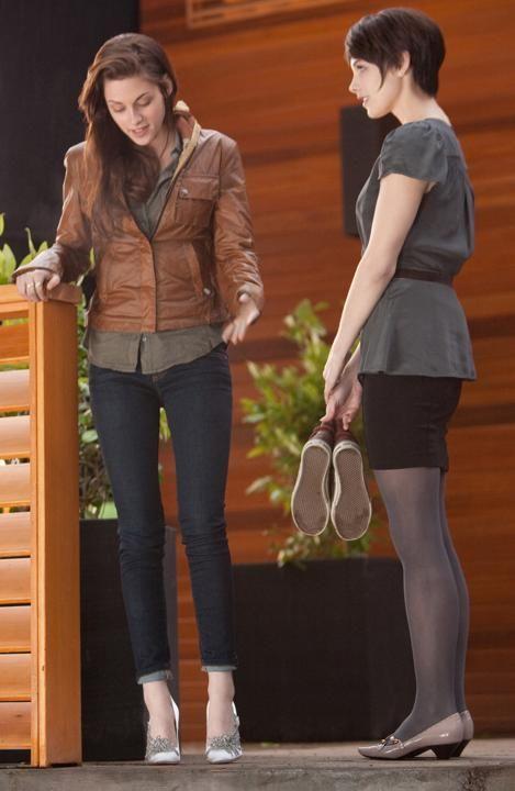 Bella discute avec Alice Cullen (Ashley Greene).