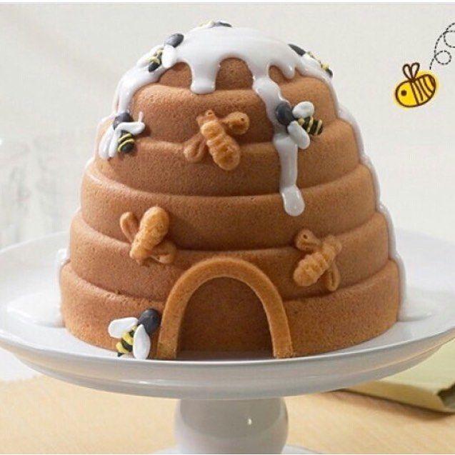 Que bolo delícia eu vi lá no @kikidsparty. Amei!! #ideiasdebolosefestas #ideiasdebolos #inspiracao #festaabelhinha #boloabelhinha