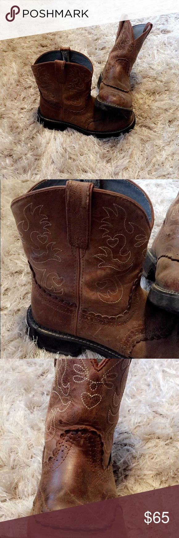 Ariat work boots Used for one summer. Great shape!!! I wish clean and condition them when once they're purchased. Ariat Shoes