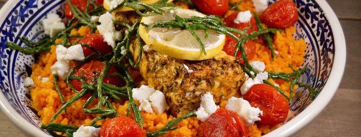 Tomatencouscous met kruidige zalm uit de oven