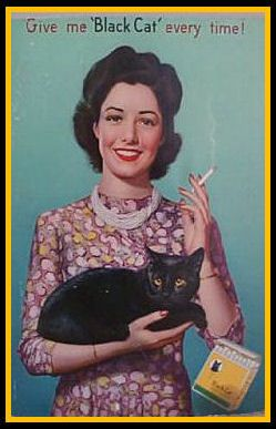 Es un hecho irrefutable, las mujeres gato siempre escogen el negro.