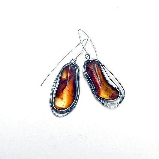 Amber braided with copper, hand made earrings. Beautiful color //  Bursztyn opleciony miedzią, kolczyki hand made. Piękne kolorystycznie