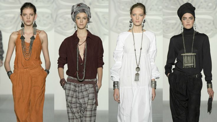 Settimana della Moda di Londra 2017  Daks: la sua nuova collezione di gioielli, realizzati in metallo scuro, ha un che di scandinavo. Tutto è lungo e di grandi dimensioni: le collane, i bracciali e gli orecchini.