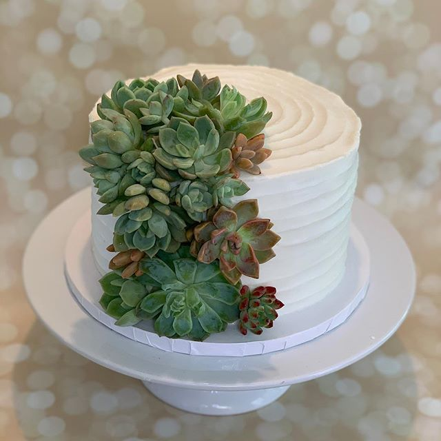 Corinne Wedding Cake 2019 #llbake #wedddingcake #w…