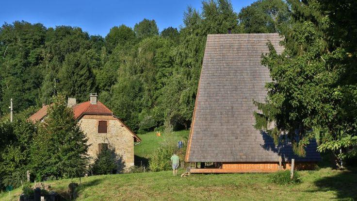 À VOUS DE JOUER - Pendant le mois d'octobre, Le Figaro immobilier, en partenariat avec l'agence Architecture de collection, vous propose de voter pour la plus belle maison d'architecte de France pour le prix Archinovo. Découvrez les deux candidates du jour.