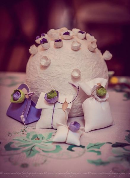 Matrimonio green tavolo sposi: centrotavola di carta e segnaposto  by Alessandra Fabre Repetto - Green Wedding paper centerpieces and favors ( Nozze ad Ogni Costo ) . Fiori di carta Roma Lazio Italy