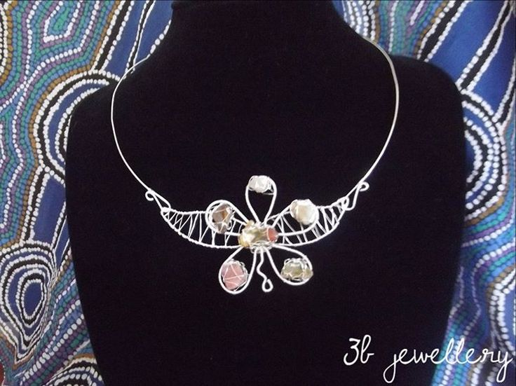 #necklace with #tiny #gemstones shaped as #flower #3bjewellery #wirewrapping #gettingbetter