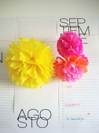 Floresdpapel...How to Make Paper Flowers {because I'm still seriously having trouble making these!}