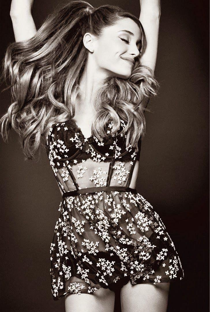Ariana Grande  luce sensual y perfecta en esta nueva sesión de fotos para V Magazine . La cantante de 20 años de edad, conversó con la r...