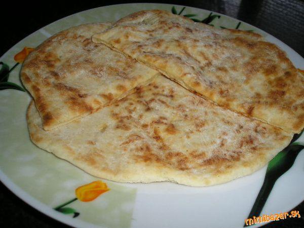 Chačapurna alebo placky plnené syrom