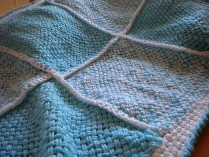 Manta para bebes tejida a telar unida a crochet <3