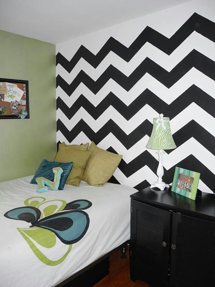 Girls bedroom idea...chevron wall