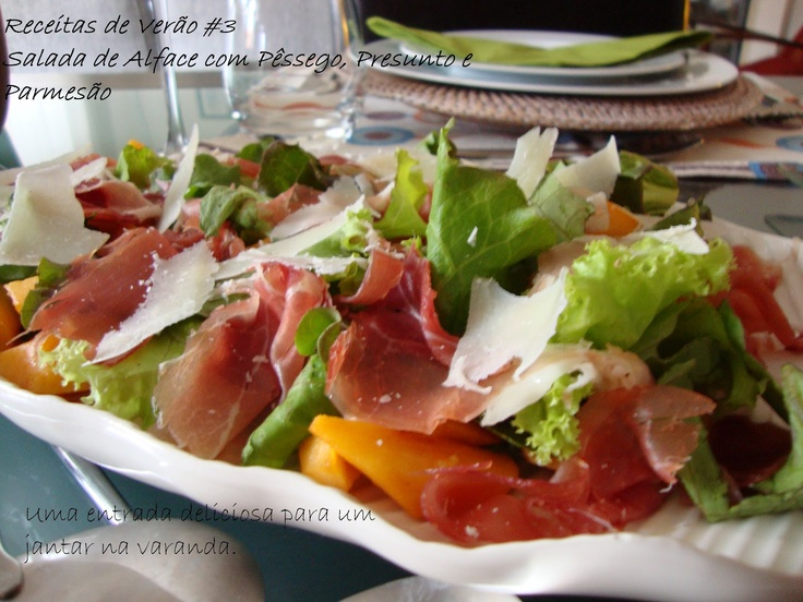Salada de Alface com Pêssegos, Presunto e Parmesão