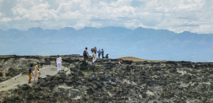 Trekking en el Desierto de la Tatacoa. http://www.awakeadventures.com/expedicion/desierto-de-la-tatacoa-r%C3%ADo-magdalena