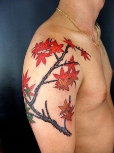 Fancy getting Leaf Tattoos, how about one like this?