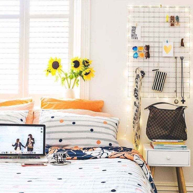Another super-fab way to use our string lights (still 50% off til MIDNIGHT tonight)..Thread them through a grid wall feature like @clairecollected. Gorgeous bedding by the way @goosebumpsboutiquebedding  #stringlights #seedlights #fireflylights