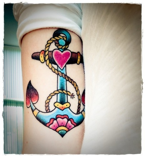 New school anchor tattoo with heart and flower motives. #tattoo #tattoos