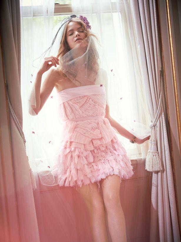 ピンクのミニ スカートでキュートに着るのはいかが♡ピンクのカラードレス♡ウェディングドレス・花嫁衣装の参考一覧まとめ☆