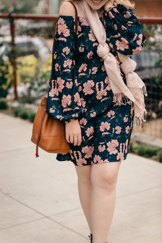 Last fall, my friend Cameron hosted a fun little shopping night at the cutest lil boutique in the West Village in Dallas: Shop September. I obviously went to cheer her on… and obviously got convinced into buying this super chic off-the-shoulder navy flora