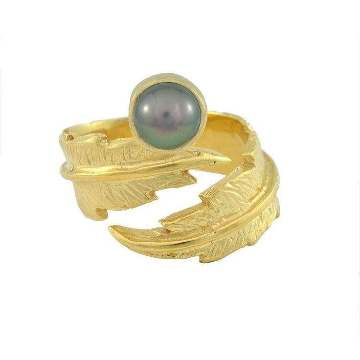 LeiVanKash Gold Feather Grey Pearl Midi Ring | SOPHIE'S CLOSET®