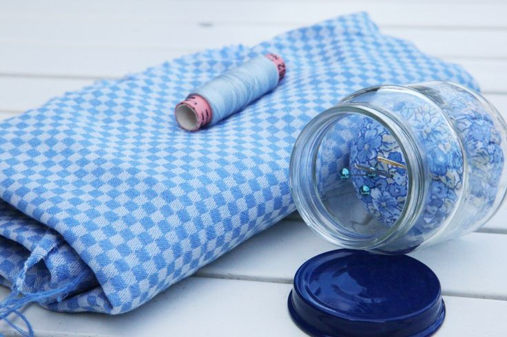 DIY: Smart nålepute inni glass. Se trinn-for-trinn på myldre.com. Clever pin cushion inside a jar!