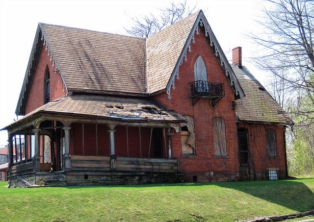 Dilapidated House Mansfield Oh In 2018 Barns Old Houses Getting Out Into Nature Pinterest Abandoned And Mansions