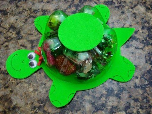 Lembrancinha para o dia das crianças tartaruga feita com pet porta balas - ESPAÇO EDUCAR