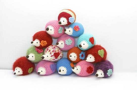 Crochet Amigurumi Blogs : Ravelry: pukpuks Amigurumi Hedgehogs from one mans ...