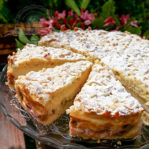 Ciasto z budyniem i rabarbarem | Świat Ciasta