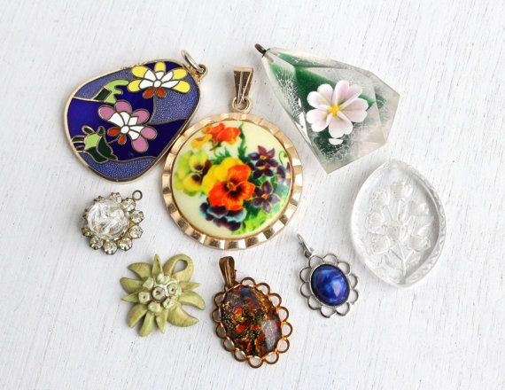 Vintage Flower Pendant Lot - 8 Retro Costume Jewelry Charms for Necklaces, Bracelets - Glass, Lucite, Enamel, Rhinestones / Colorful Floral