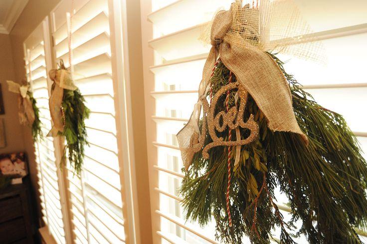 Christmas windows for plantation shutters plantation for Should plantation shutters match trim