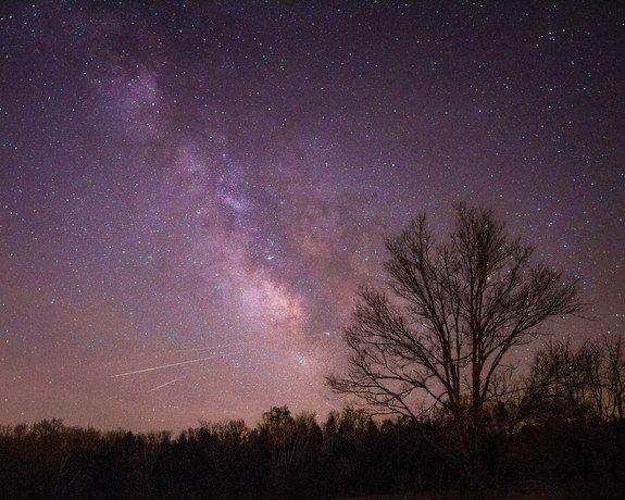 2013 Lyrid Meteors Over New Haven, Missouri.  4/22/2013