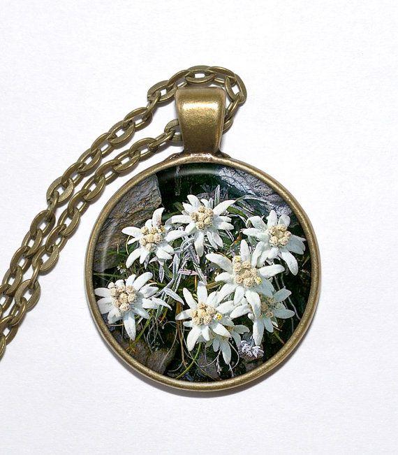 EDELWEISS Necklace, Flower Necklace, Mountain Flower, Leontopodium alpinum, Art Pendant Necklace, Glass Pendant, Handmade Jewelry