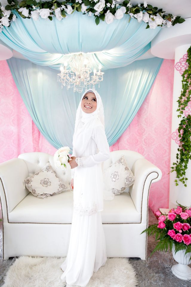 #kahwinkawinbridal #bridal #bride #sgbrides #makeup #mua #hairstyles #hairstyling #hairdo #photoshoot #photography #prewedding #outdoorshoot #ido #wedding #onceinalifetime #exclusive #fairytale #pengantin #moment #love #melayu #malay #weddingcard #weddingring #ring #memories #hijab #muslim #weddingday