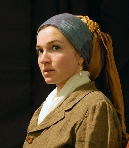 best girl a pearl earring remixed images  costume based on johannes vermeer s girl a pearl earring