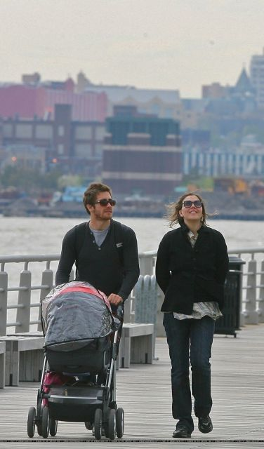 Jake Gyllenhaal with sister Maggie and niece Ramona, 2007 - Out In The Meat Packing District of NYCOut For A Walk In NYC