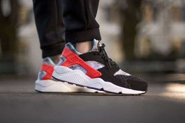 Nike Air Huarache Run FB QS Black/White-Blue Legend-Bright Crimson