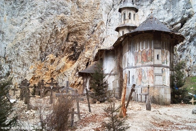 Scenery from The Cave - #Zarnestilor_Gorges, Piatra Craiului mountains, Transylvania