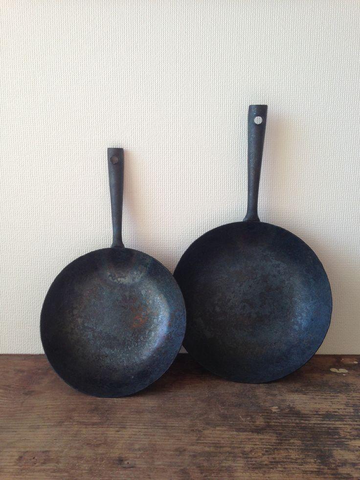 Handmade iron frying pans by Narita Takayoshi.
