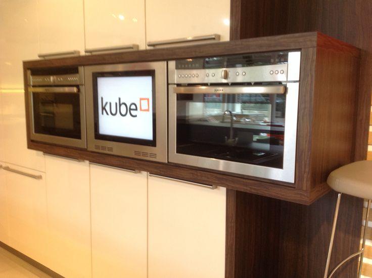 TV built into kitchen units - me like!!