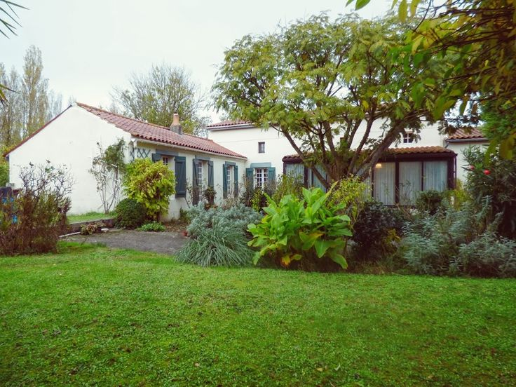 Real estate agency in Mortagne sur Gironde - LG IMMO