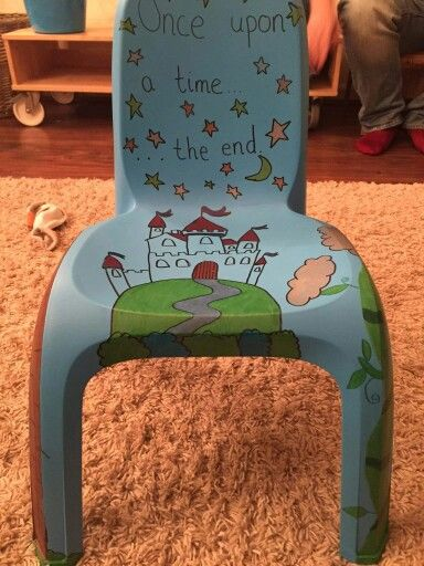 Story telling chair with sharpie pens