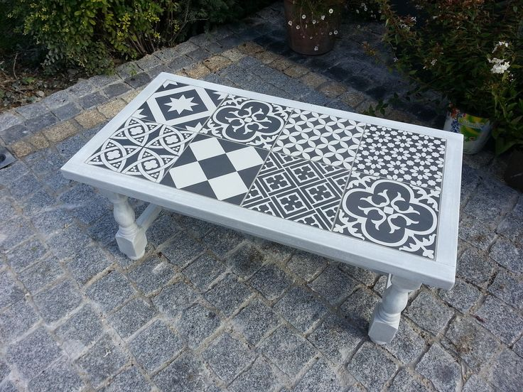 Les 25 meilleures id es de la cat gorie carrelage gris - Customiser table basse en bois ...