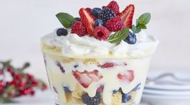 Angel Berry Trifle #Angel #Berry #Trifle #sweets #treats #Christmas #holiday #Share #homemade #easy #recipe #flavors #tasty
