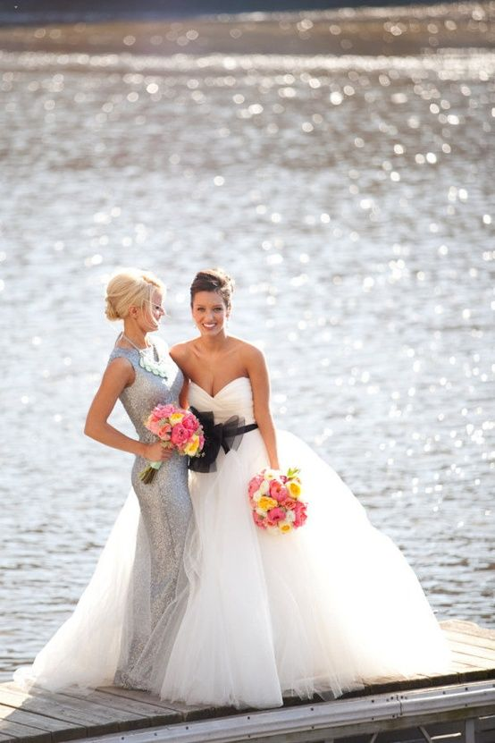 WATER. Find a body of water for a sparkling background. Lake Michigan? Chicago River? Wedding photos; wedding photography; wedding photo ideas; Chicago wedding photography locations. #WeddingPhotos #WeddingPhotographer