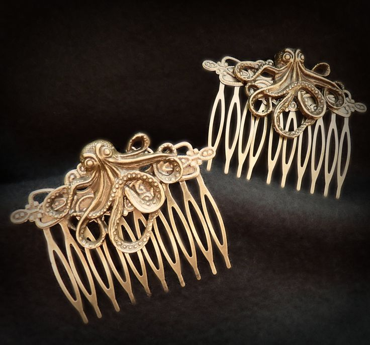 Bronze Octopus Hair Combs from the Steampunk Cthulhu Collection. $10.50, via Etsy.
