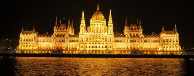 Exploring the two sides of Budapest is a good way to understand its history and its culture. The Travelling Boomer did just that and shares his experience.