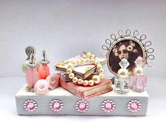 Miniatura casa decoro Madame Tristesse ornamento di PiccoliSpazi