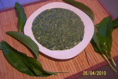 Myra's kitchen: Piure de leurda si spanac