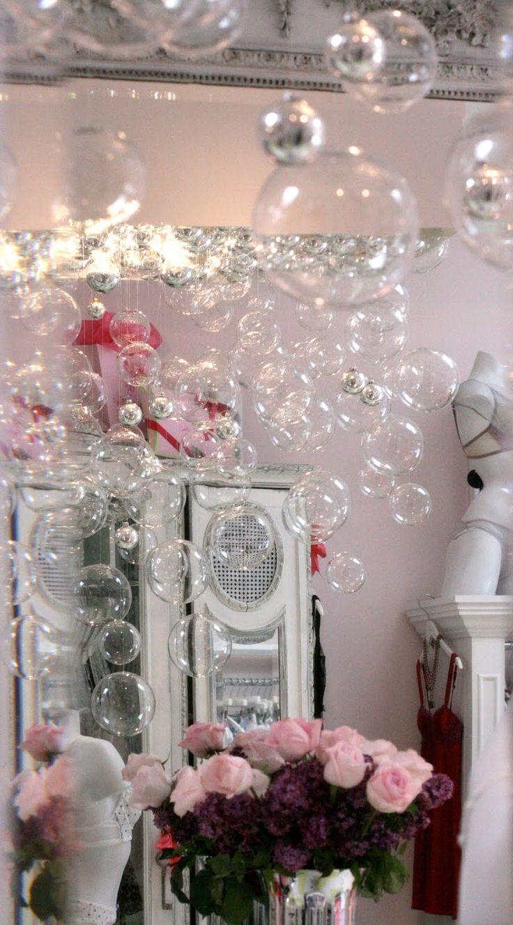 Wissen Sie aus diesem Lampenschirm ganz einfach einen atemberaubenden Bubble Kronleuchter günstig selber bauen können? Hier schauen Sie wie!